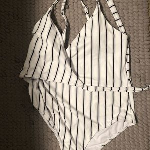 Cupshe one piece with pads. X-Large